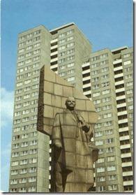 Lenin-statue-in-Berlin