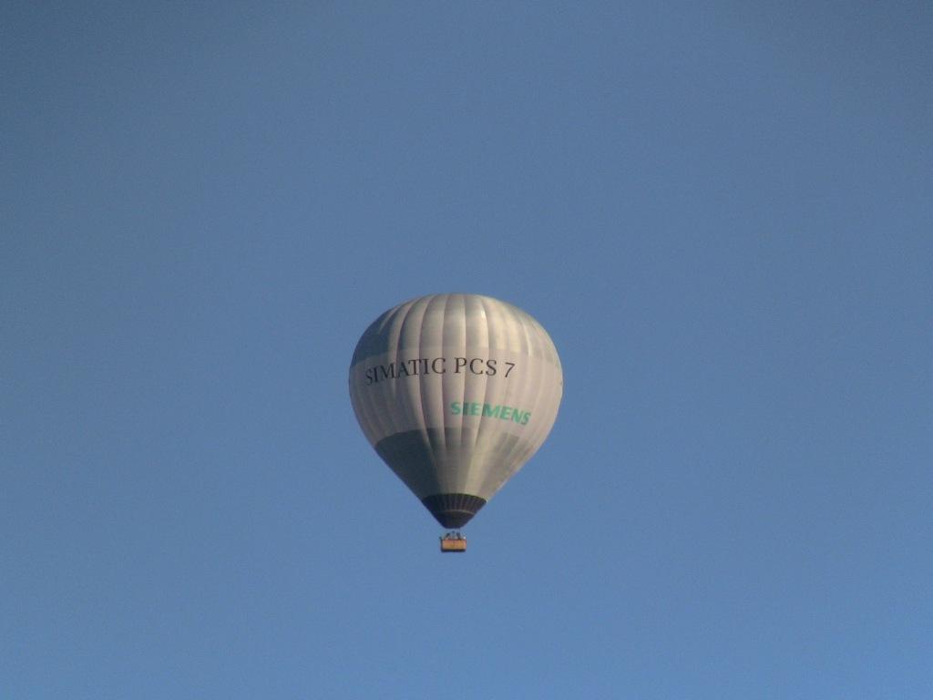 Ballonfahrt ins Blau - Wer träumt sich da nicht hinauf?